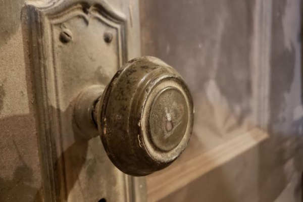 How to Install New Door Knobs in Old Doors